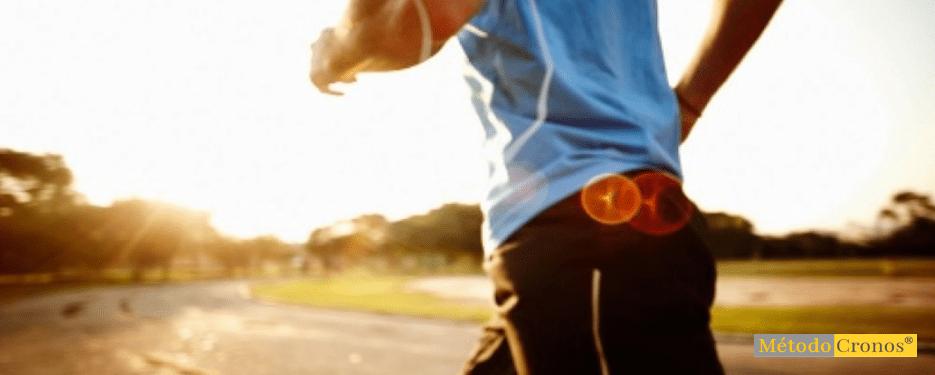 VIVIR EN LA LUZ. hombre runner